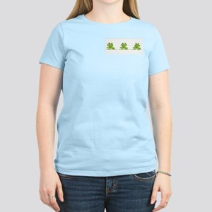 3 Frogs! Women's Pink T-Shirt